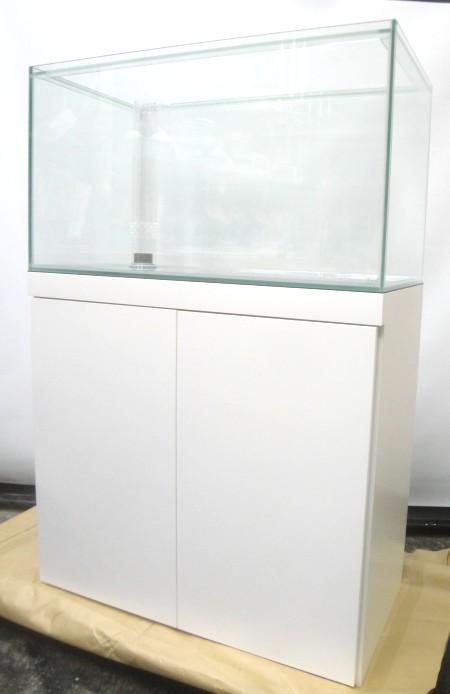 オールガラス水槽とオーダーキャビネットのセットです。