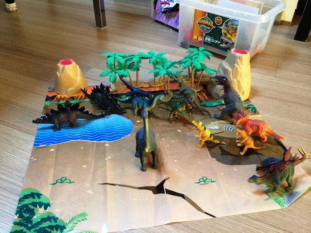 恐竜コンテナ