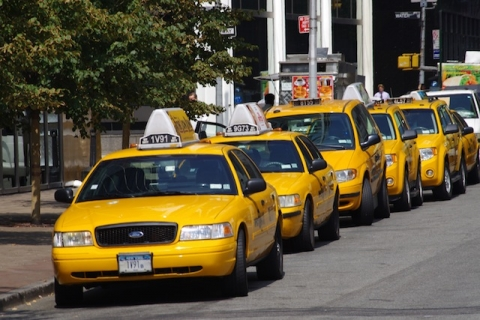 Yellow_Cabs_in_New_York.jpg
