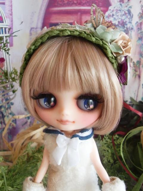 Middie_green_top2.jpg