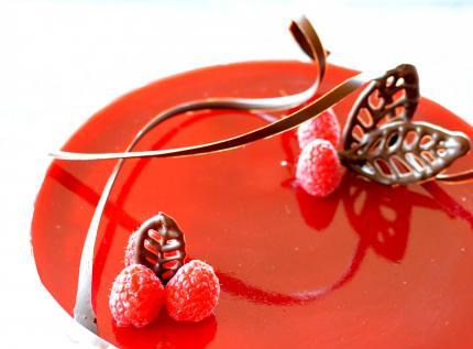 raspberrymoussecake