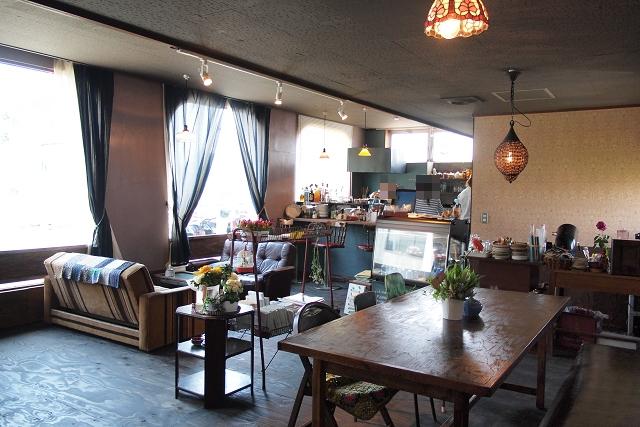 MOND CAFE012