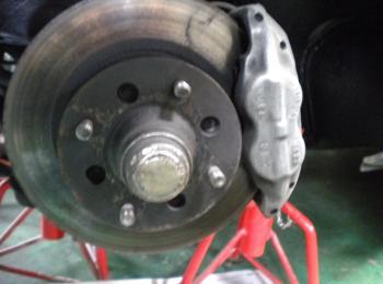 S30Z フロントブレーキパット点検