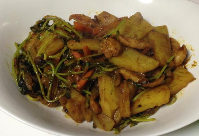 野菜とウインナーのカレー炒め