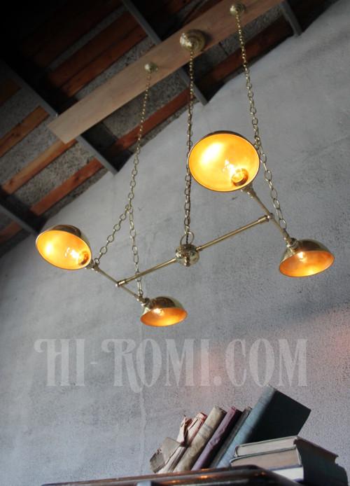 真鍮製 4灯ライト クラシック ライト ランプ 照明 ペンダントライト 特注 ダイニング 工業系 インダストリアル