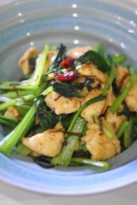 鶏ささみと小松菜の塩昆布炒め