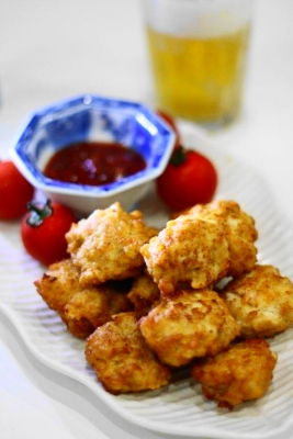 鶏胸肉deレッドホットチキンナゲット1