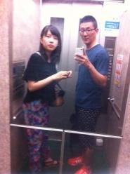 エレベーターにて