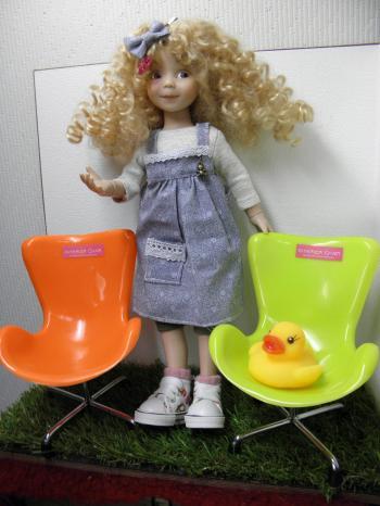 P4050374_convert_20140405135646100均プラ椅子2