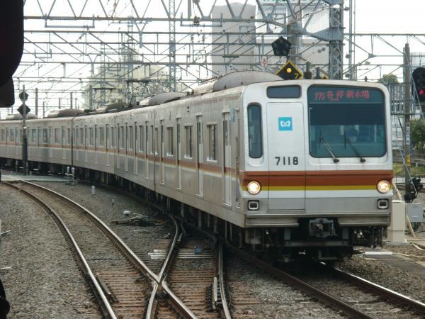 2014-02-28 メトロ7118F 各停新木場行き