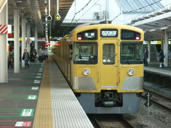 2014-05-02 西武2067F 各停西武新宿行き2