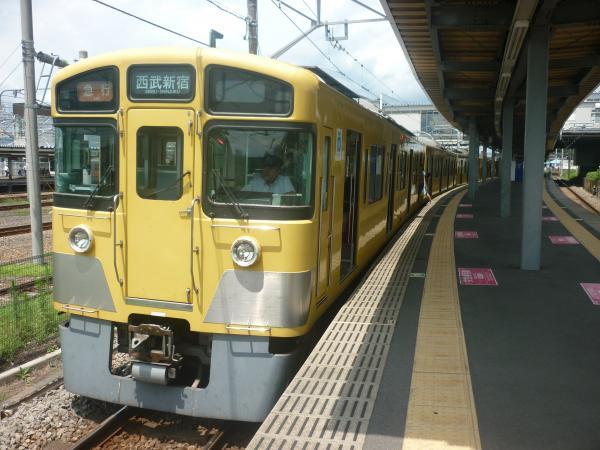 2014-07-28 西武2517F+2025F 急行西武新宿行き1 2330レ