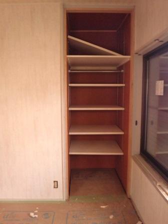 ③2階洋室収納