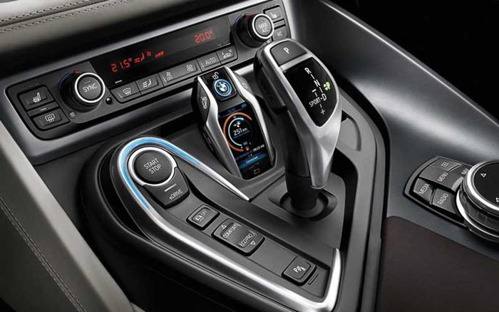 BMW-i8-key-2.jpg