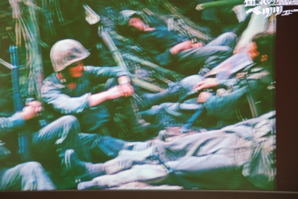 DSC_3542死体のなかの兵士