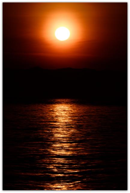 夕陽 夕日 夕焼け 海 風景 写真 青森県 浅虫海づり公園