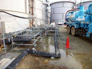 1日850トンもの水を汲み上げて(略)防いできた地層