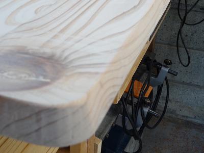 テーブルエッジ