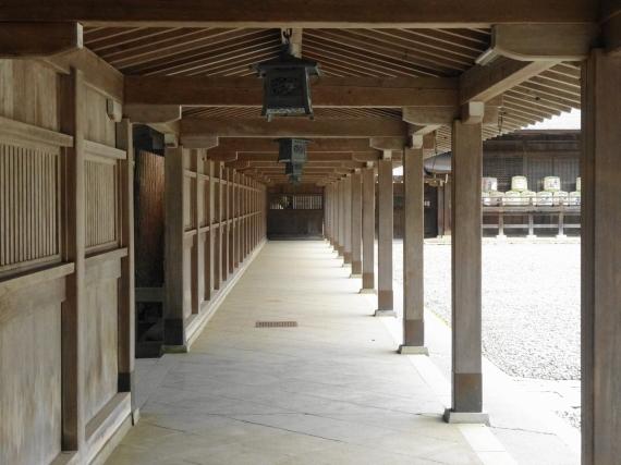 弥彦神社 廊下