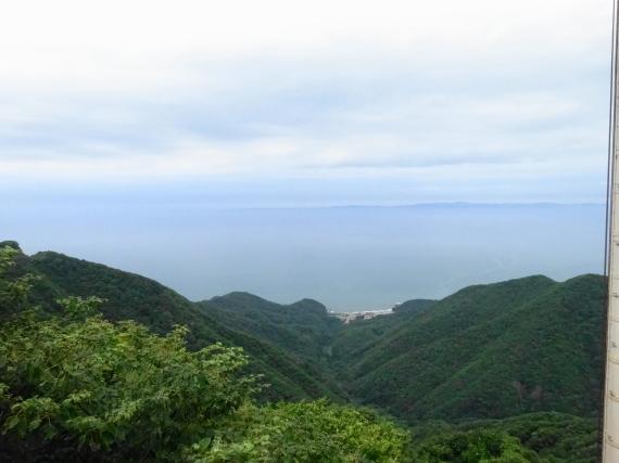 弥彦山山頂からの日本海
