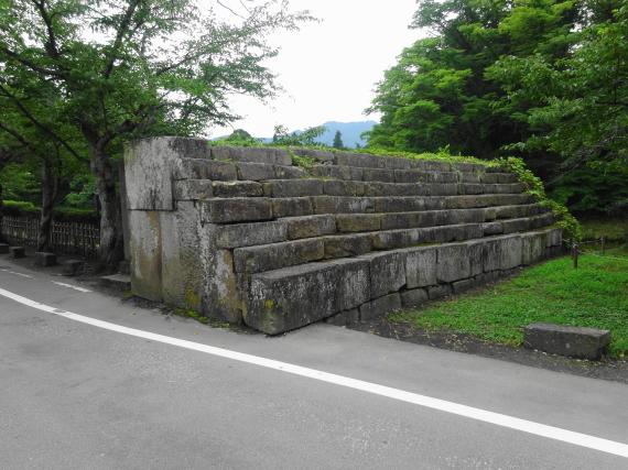 鶴ヶ城 城壁後