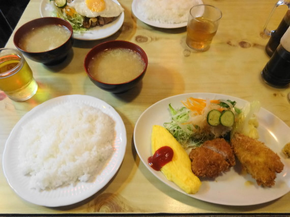 キッチン竹の子 ランチ8番 オムレツ・ヒレカツ・キス