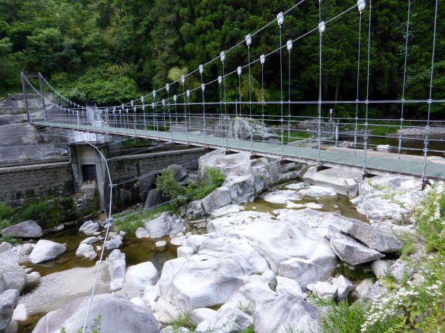 東大見発電所の吊橋2