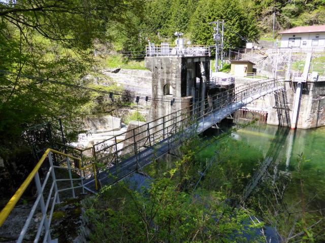 昼神水力発電所の吊橋1