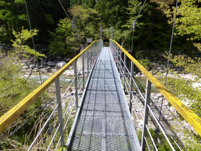 本谷堰堤の吊橋4