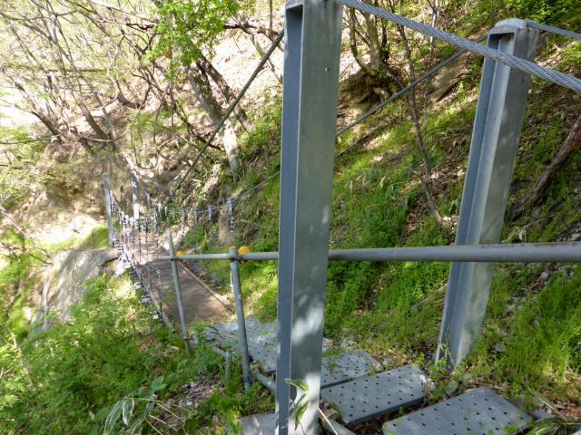 繰矢川沿いの吊橋4