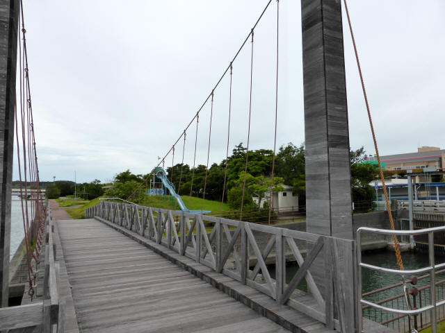 シャトル橋b