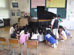 八条小学校 学校クラスコンサート オルゴール実験