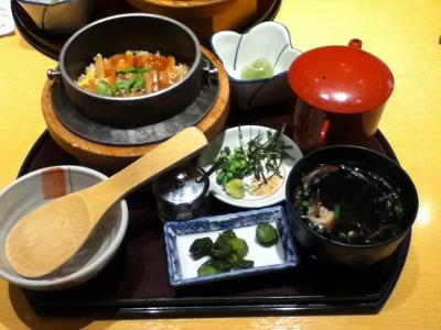 アナゴ釜飯 (400x300)