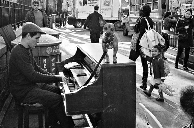 Piano_Man_On_the_Street_NY