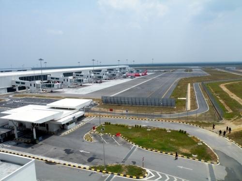 ランカウイ 空港