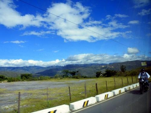 バグア・グランデ Bagua Grande バス 車窓