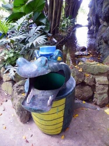 パンタナール動物園 ゴミ箱