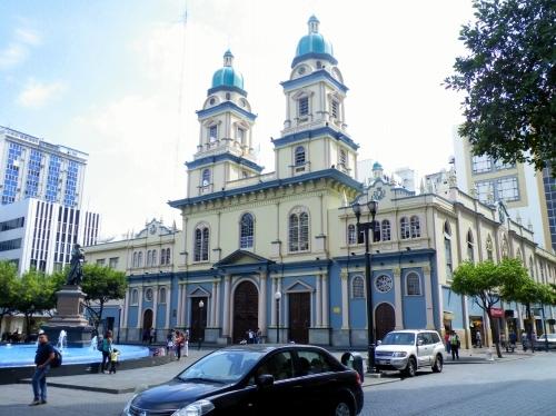 グアヤキル 教会