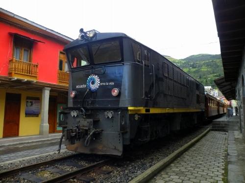 悪魔の華 山岳鉄道 電車