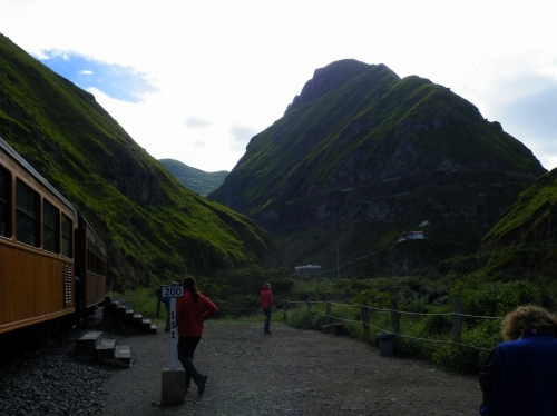 アンデス山脈 山岳鉄道 車窓からの景色