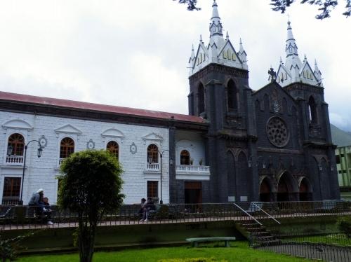 バニョス 教会