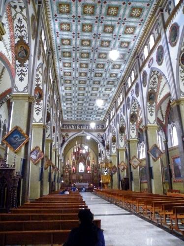 バニョス 教会 内部