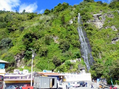 バニョス 温泉