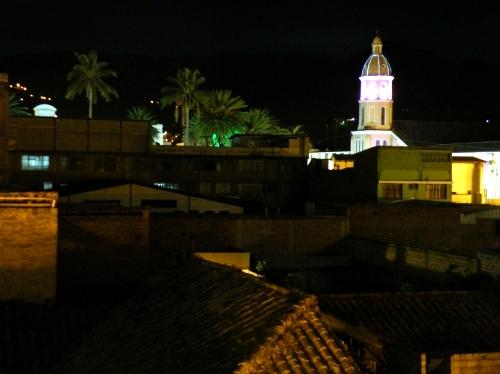 オタバロ 夜景 Otabalo