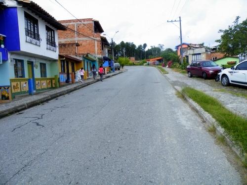 グアタペ 路上