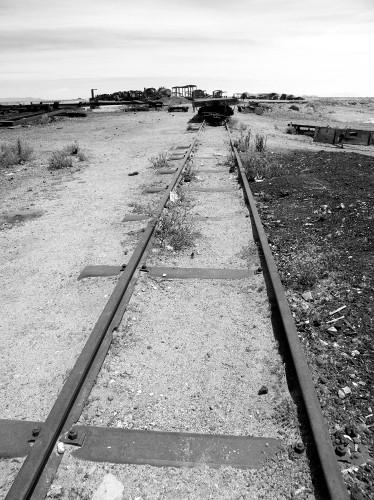白黒の線路