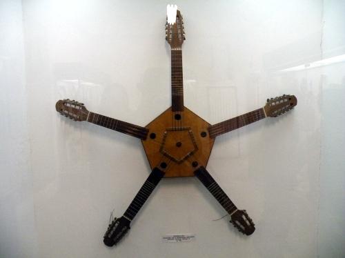 5又の弦楽器