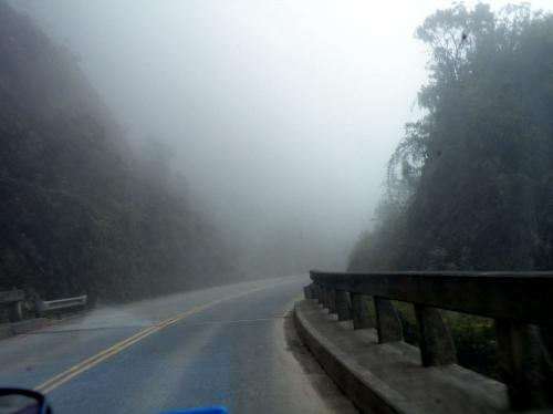 ラパスからコロイコ 霧