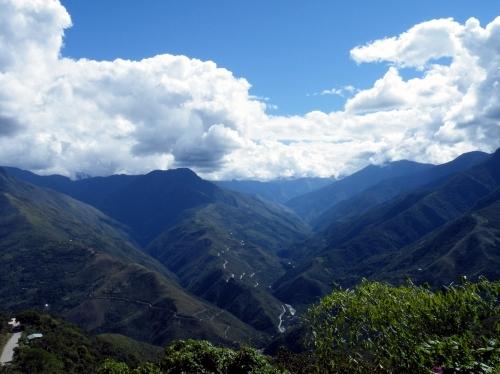 ボリビア 山脈