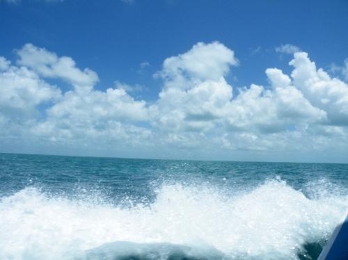 キーカーカー島 フェリー